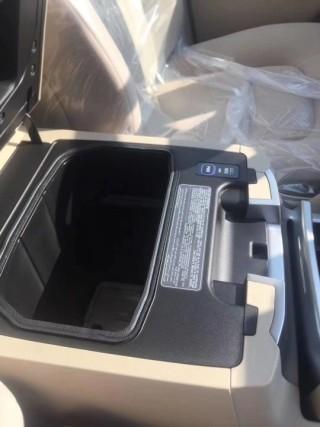酷路泽4000 18款 4.0 钢轮 冰箱 电座丐版中东