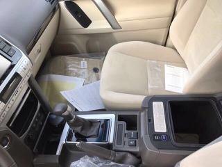 霸道4000 18款 4.0L TXL 两气囊 外挂 天窗 卤素 遥启 中东
