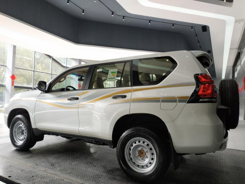 霸道2700 18款 2.7L 自动 TX 钢轮圈 外挂备胎中东