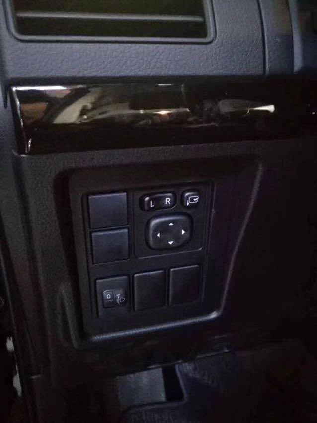 霸道2700 19款 2.7L TX 铁轮 底挂 天窗 丐版 中东