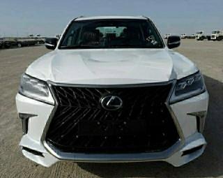 雷克萨斯LX570 18款 八座 限量 S 迪拜版 中东