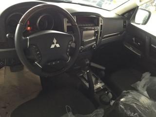 帕杰罗V87 18款 3.8L 三门版GLS 中东
