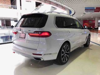 宝马X7 19款 xDrive50i Luxury  美规