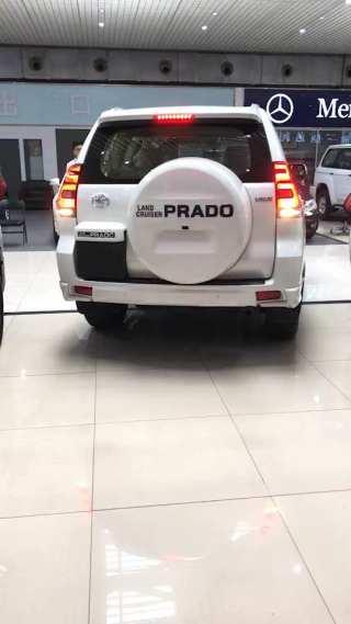 霸道4000 19款 4.0L VX-R 迪拜版