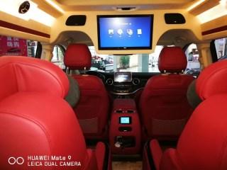 奔驰V级 18款 V260L 2.0T 汽油 加长 中东