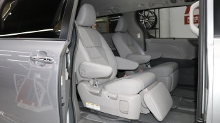 塞纳  20款 3.5L 四驱 SE-T科技包 7座 加规