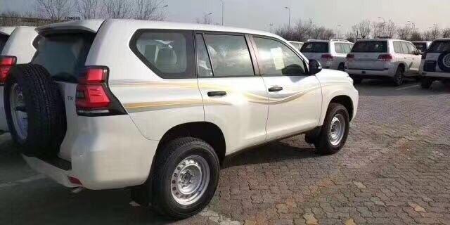 霸道2700  19款 2.7L TX 铁轮 外挂 大油箱 天窗 丐版 中东