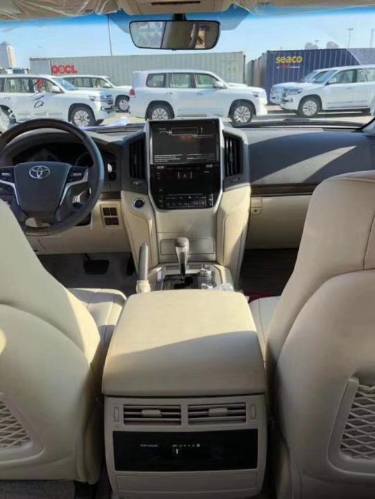 酷路泽4000  19款 4.0L GX-R GT 八气 真皮 遥启 中东