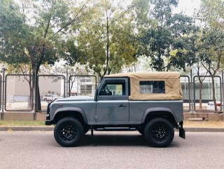 卫士  16款 90 两门 2.2T 柴油 68周年纪念版欧规