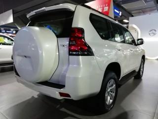 霸道3000  19款 3.0T 柴油 自动 TX-L 外挂 17铝轮 中东