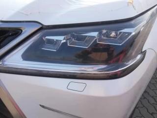 雷克萨斯LX570  19款 八座 限量 S 中东