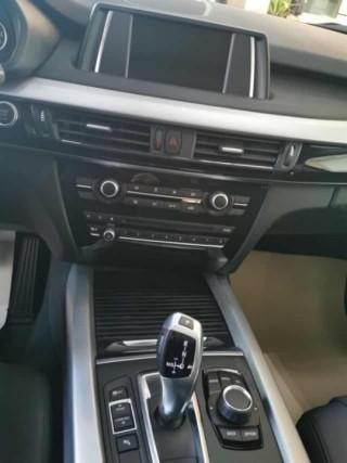 宝马X5  18款 xDrive35i 基本型 小屏 真皮 中东