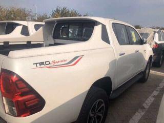 海拉克斯  20款 4.0L 自动 四驱 TRD SR5 中东