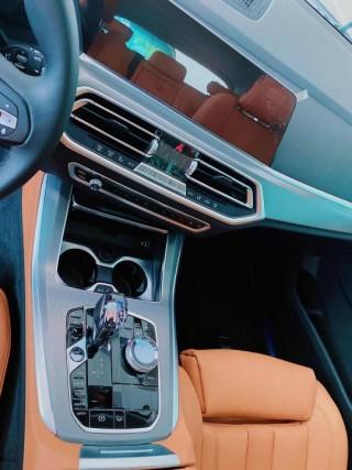 宝马X5  19款 xDrive40i 标准 19轮 中东