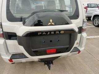 帕杰罗V93  20款 3.0L 五门 GLS 真皮 双差 中东