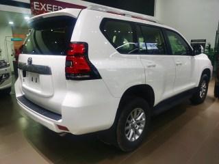 霸道2800  19款 2.8T 柴油 自动 中东
